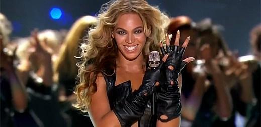 Beyoncé předvedla mega show! Rozzářila celý Super Bowl 2013
