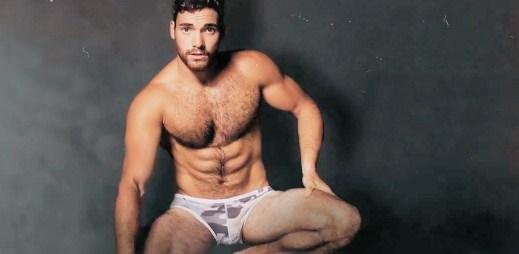 Sexy kluci lákají na pánské spodní prádlo AussieBum (video)