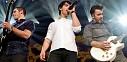 Jonas Brothers plní energie na stadionu v Pom Poms