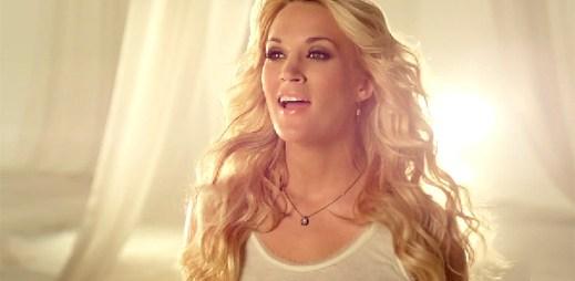 Carrie Underwood: Šťastné návraty vojáků z válek v See You Again
