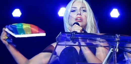 Lady Gaga od operace poprvé na veřejnosti. Podpořila manželství homosexuálů