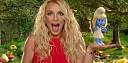 Britney Spears ve šmoulí vesničce v klipu Ooh La La