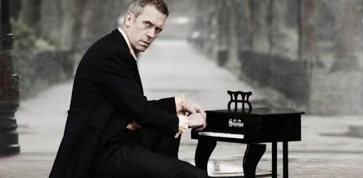 V Praze poprvé zazpívá Hugh Laurie, známý jako Dr. House