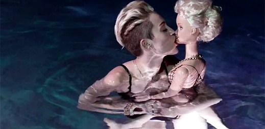 Miley Cyrus vydala druhou provokativní verzi klipu We Can't Stop
