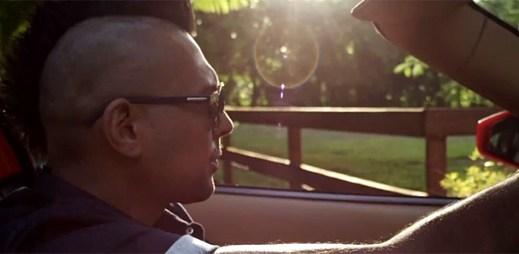 Nedůvěra ve vztahu škodí, hlásá Sean Paul v novém klipu Other Side of Love
