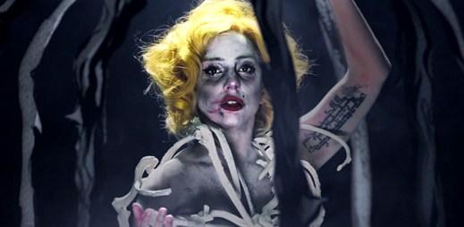 Lady Gaga odhalila kouzelnické umění v klipu Applause. Na toto jsme čekali dva roky!
