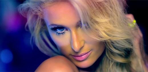Paris Hilton se vrací na hudební scénu s klipem Good Time