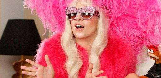 Svěží Lady Gaga je zpět! Vychutnejte si nový song Do What U Want se zpěvákem R. Kelly