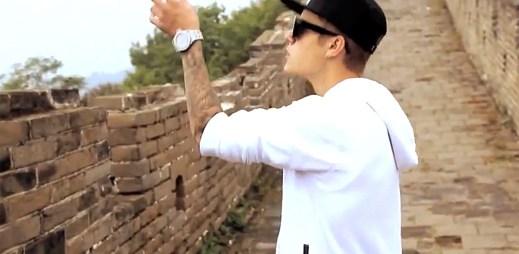 Justin Bieber se stal opravdovým mužem s klipem All That Matters