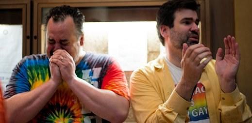 Smutná zpráva dorazila z Francie: Soud rozvedl první gay pár