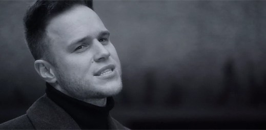 Olly Murs svým Hand On Heart vzdává hold hitu Angels Robbieho Williamse