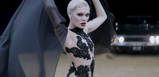 Nový klip Thunder je tu od Jessie J! Je to balada na život