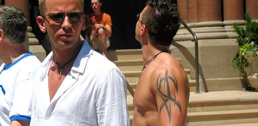 Gayové v Salt Lake City vzali úřad útokem, soud jim povolil sňatky