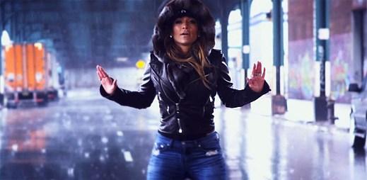 Jennifer Lopez se vydala do Bronxu mezi obyčejné lidi v klipu Same Girl