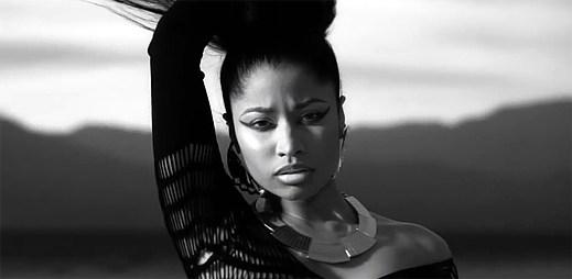 Nicki Minaj vtrhla s novým klipem Lookin' Ass Nigga až na poušť