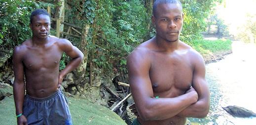 Gayové na Jamajce žijící v kanalizaci, protože museli opustit domovy