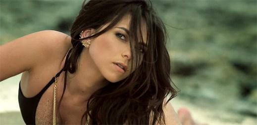 Rumunská zpěvačka INNA natočila letní hitovku Cola Song