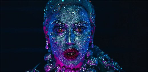 Brooke Candy natočila sexem poblázněný klip Opulence