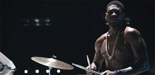 Usher v novém klipu Good Kisser prozradil, jaký typ sexu miluje