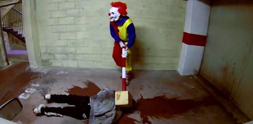 Hodně luxusní video: Krvelačný klaun vás chce zabít