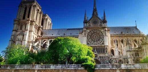 Francouzský historik odmítl sňatky gayů, zastřelil se v Notre-Dame