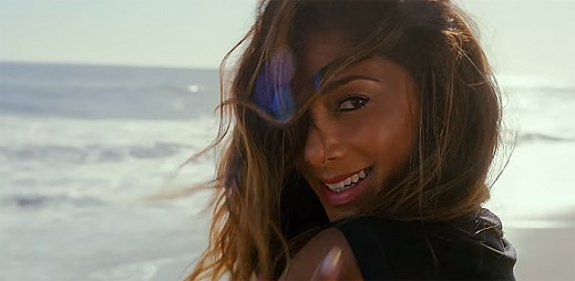 Nicole Scherzinger: Vychutnejte si nový klip Your Love s plážemi na Malibu