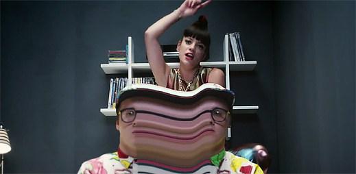 Videoklip URL Badman od Lily Allen řeší trolly a jejich trollování v diskuzích
