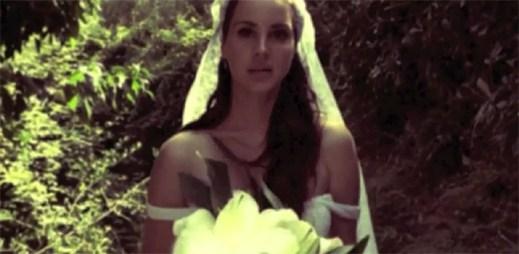Lana Del Rey je jako nevěsta v novém klipu Ultraviolence