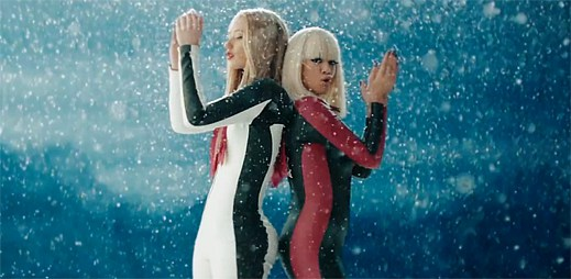 Iggy Azalea a Rita Ora natočily klip Black Widow s katanou v ruce