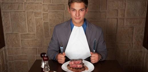 Věděli jste, že trocha oříšků je jako půl kila hovězího steaku?