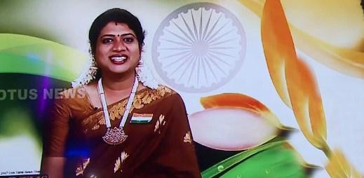 Indie má první transgender zprávařku