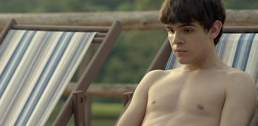 Gay film V jeho očích: Jak zjistíte svoji sexuální orientaci, když nevidíte?
