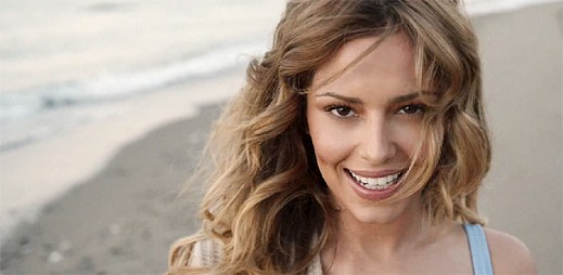Cheryl natočila klip I Don't Care, kterému vládne skvělá letní atmosféra