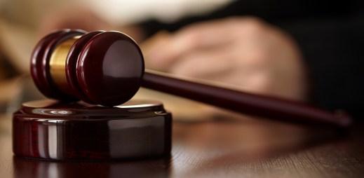 Ugandský soudce propustil gaye, protože neměl dostatek důkazů