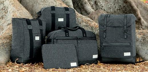 Podzimní cestovní brašny a tašky přes rameno značky HEX
