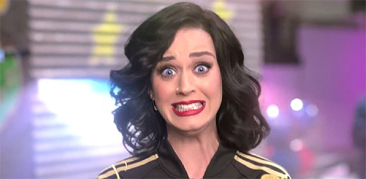 Oficiálně potvrzeno. Katy Perry vystoupí v poločase na Super Bowl 2015