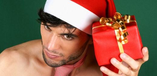5 dárků k Vánocům, které udělají radost každému gayi