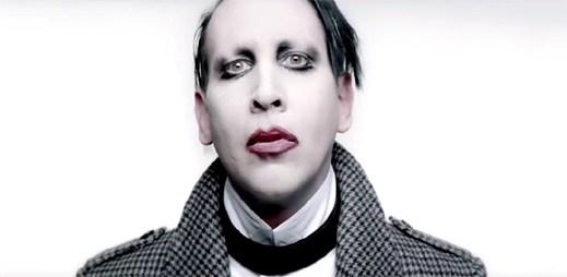Marilyn Manson se mění v podivnou digitální trubici v klipu Deep Six