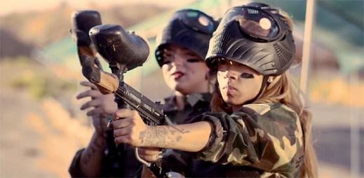 Keyshia Cole vydává hned dva nové klipy, ve kterých všechny srovná
