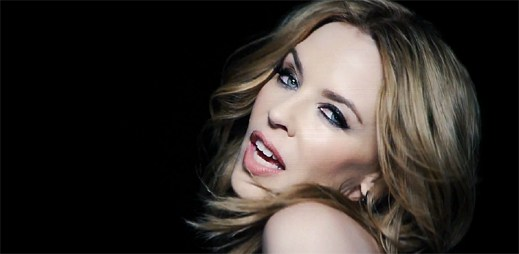 Kylie Minogue a Giorgio Moroder v efekty nabitém klipu Right Here, Right Now