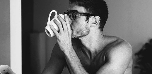 Instagram: Co takhle dát si kávu se sexy krasavcem?