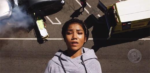 Jhené Aiko se v klipu Eternal Sunshine inspirovala automobilovou nehodou, kterou skutečně prožila
