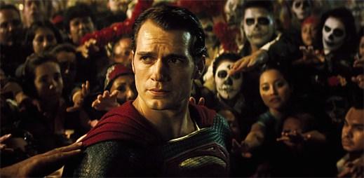 První upoutávka filmu Batman V Superman. Očekávejte boj superhrdinských rozměrů