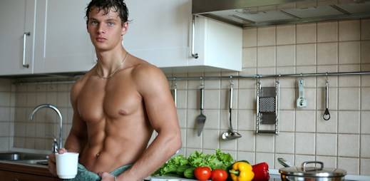 Průzkum: Češi nejčastěji snídají čaj, sýry, pečivo a ovoce