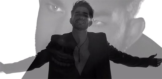 Adam Lambert prožívá hypnotické sny v klipu Ghost Town