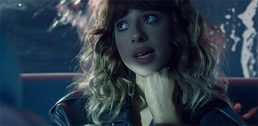 Foxes k oslnivému singlu Body Talk vydala na škodu nevýrazný klip