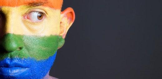 Rusko chce zakázat Facebook kvůli duhovým profilovkám