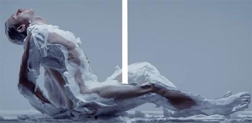 Video: Podívejte se na hladce oholené tělo, při kterém vynikne každý sval