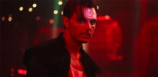 Opilým Hurts patří taneční parket v klipu Lights