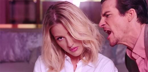 Ellie Goulding se mstí svému bláznivému příteli v klipu On My Mind